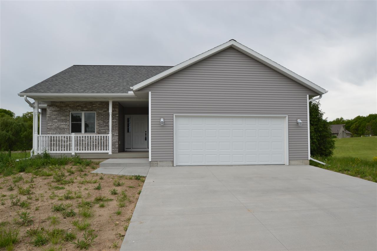 N6743 Clover Ln, Pacific, WI 53954