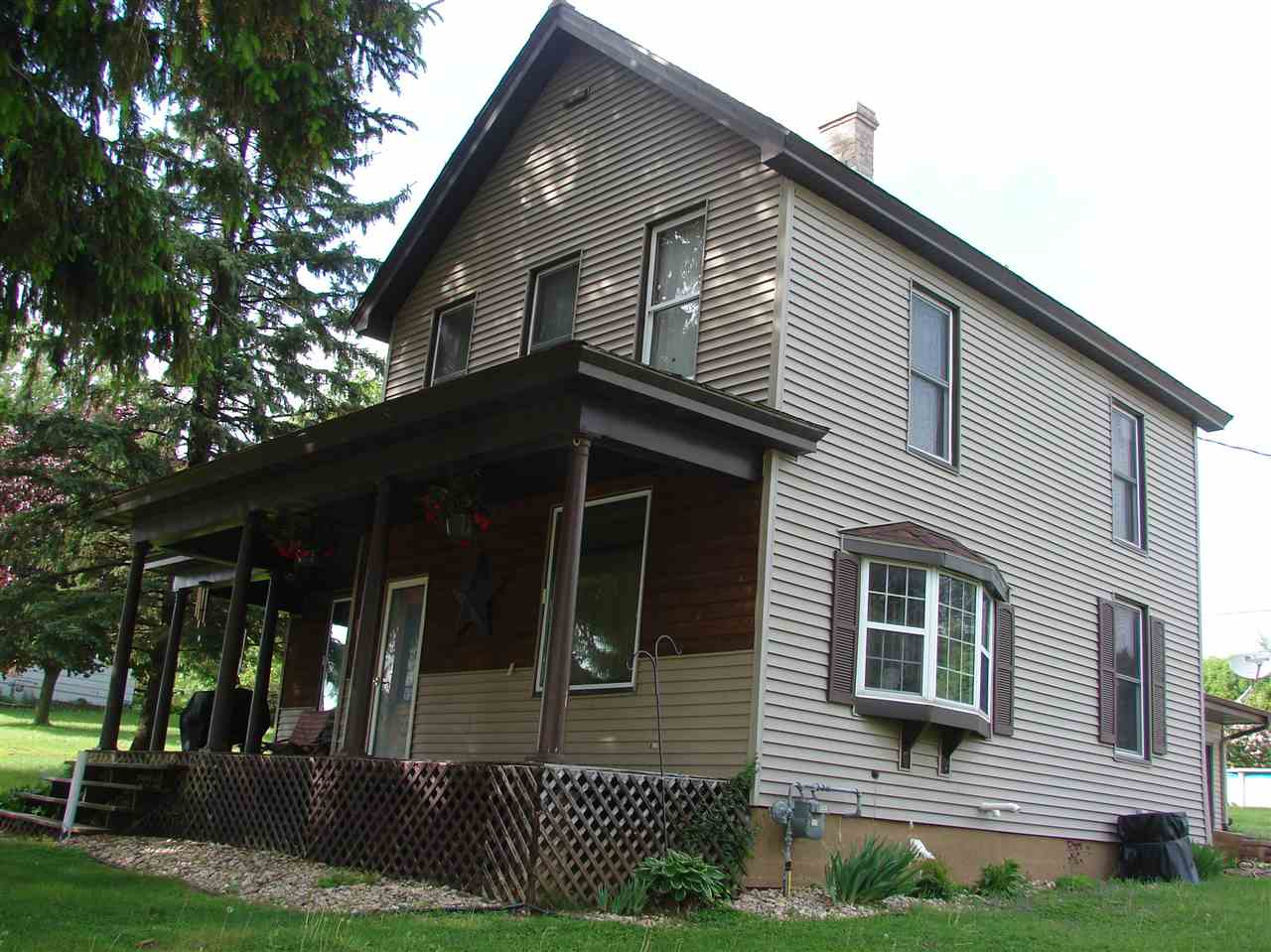 422 Main St, Linden, WI 53553