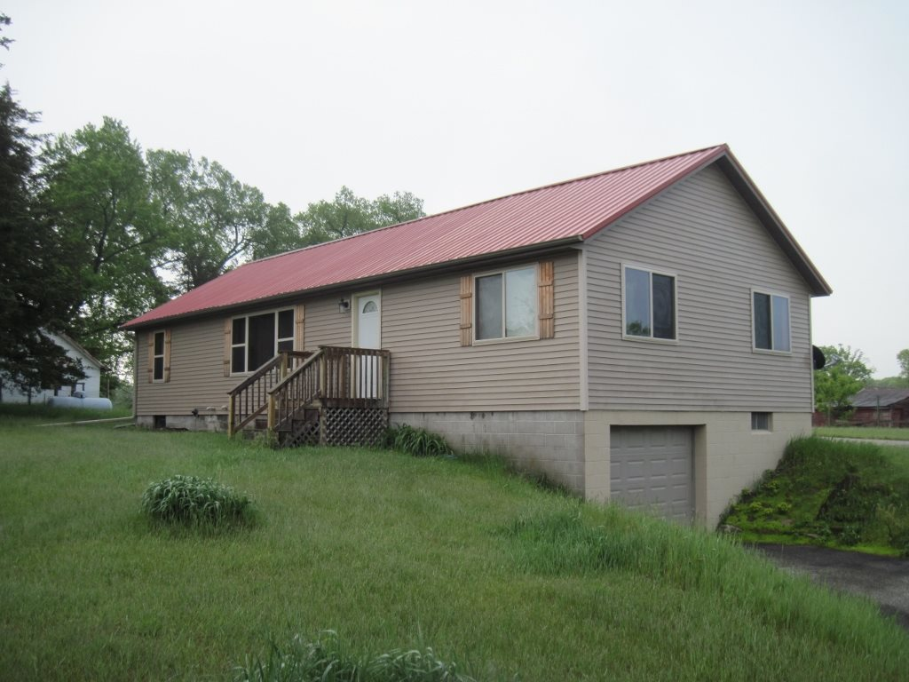 1303 Evergreen Dr, Easton, WI 53936