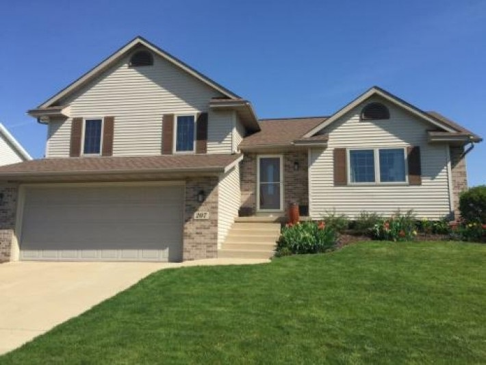 207 Megan Ln, Cottage Grove, WI 53527