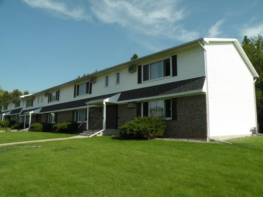 799 Hillside Terr, Ripon, WI 54971