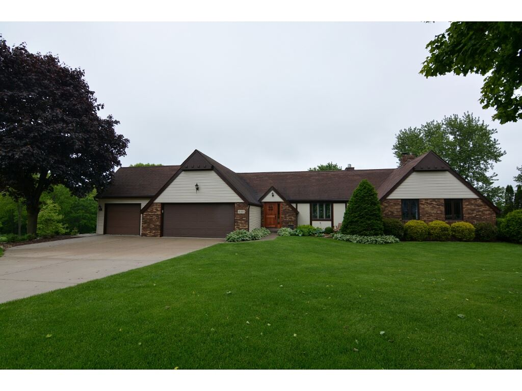 6103 HARVEST HILL CT, Springfield, WI 53597
