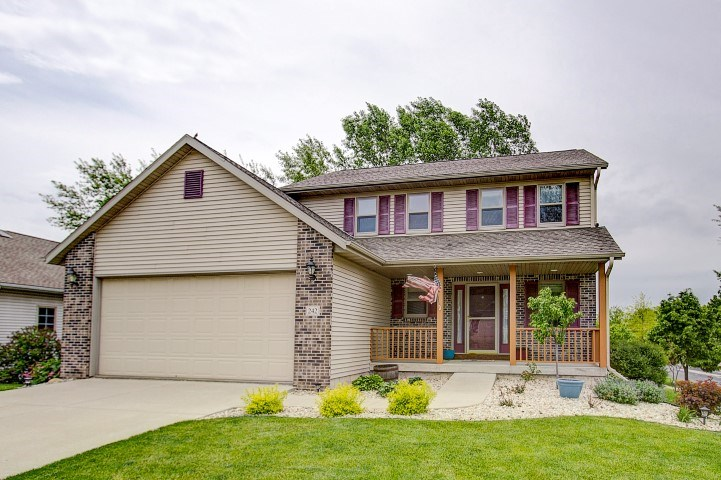 242 Parador Pl, Cottage Grove, WI 53527