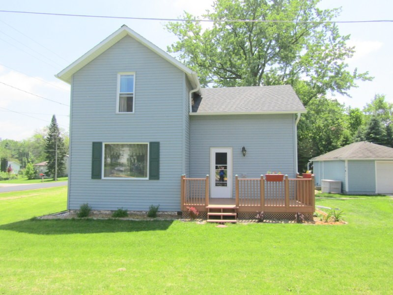 502 5TH ST, Albany, WI 53502