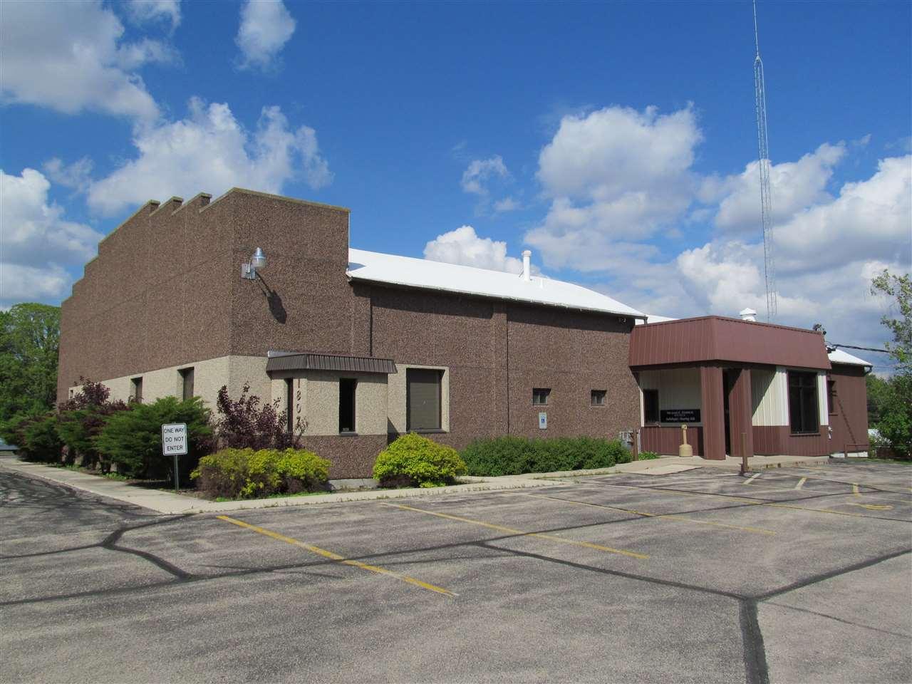 1807 N Center St, Beaver Dam, WI 53916