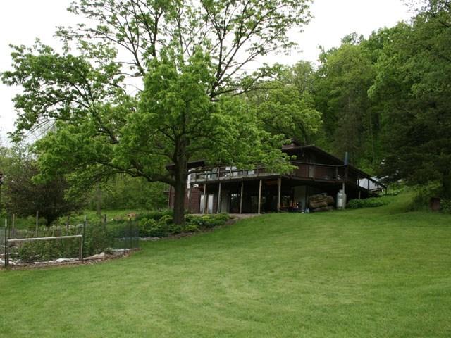 E7068 HEMLOCK RD, Honey Creek, WI 53951