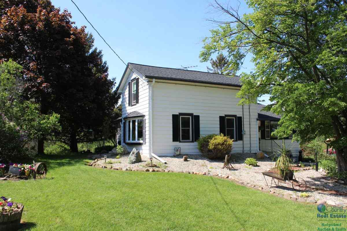 5355 COUNTY ROAD P, West Bend, WI 53095