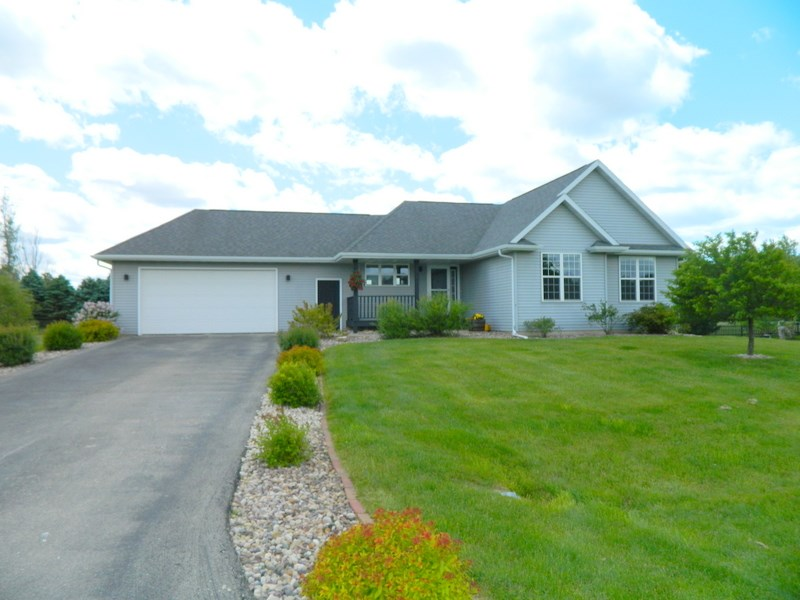 W2939 Willow Ln, Exeter, WI 53508