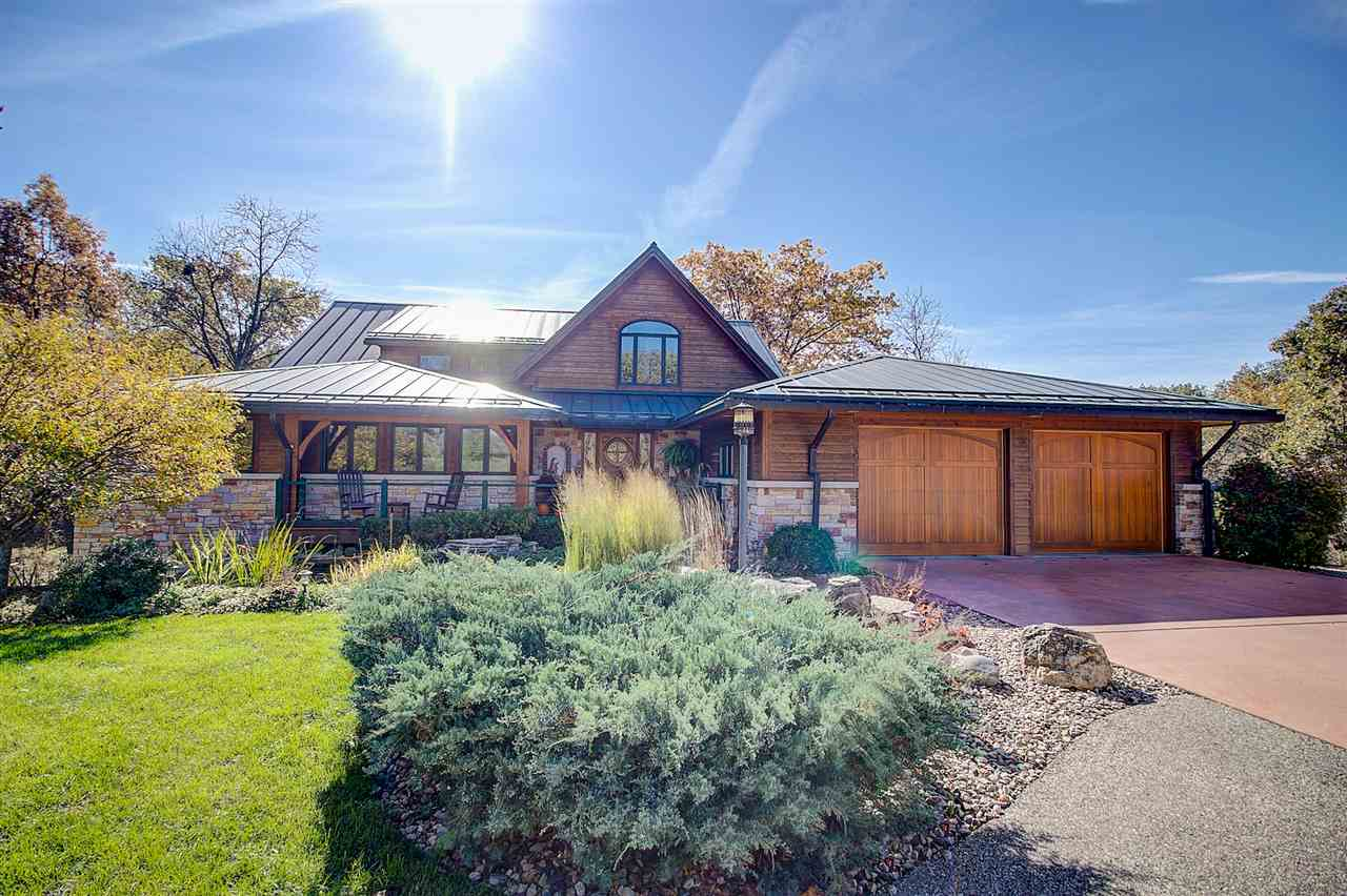 9504 Union Valley Rd, Vermont, WI 53515