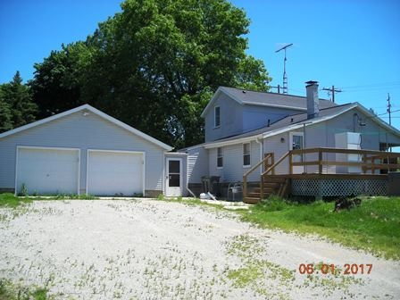 1230 N 4th St, Watertown, WI 53098