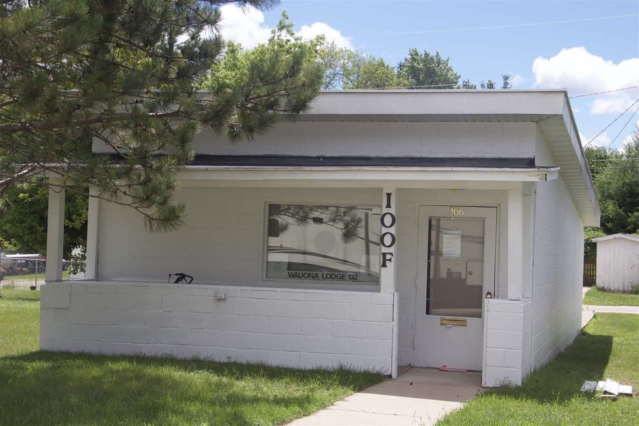 306 E CARROLL ST, Portage, WI 53901