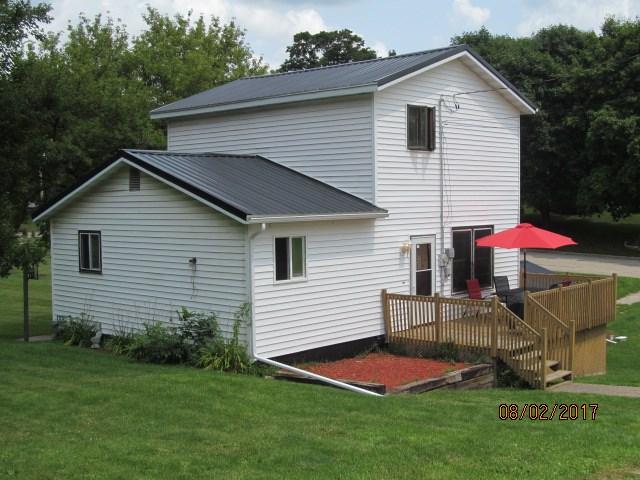 106 State St, Montfort, WI 53569