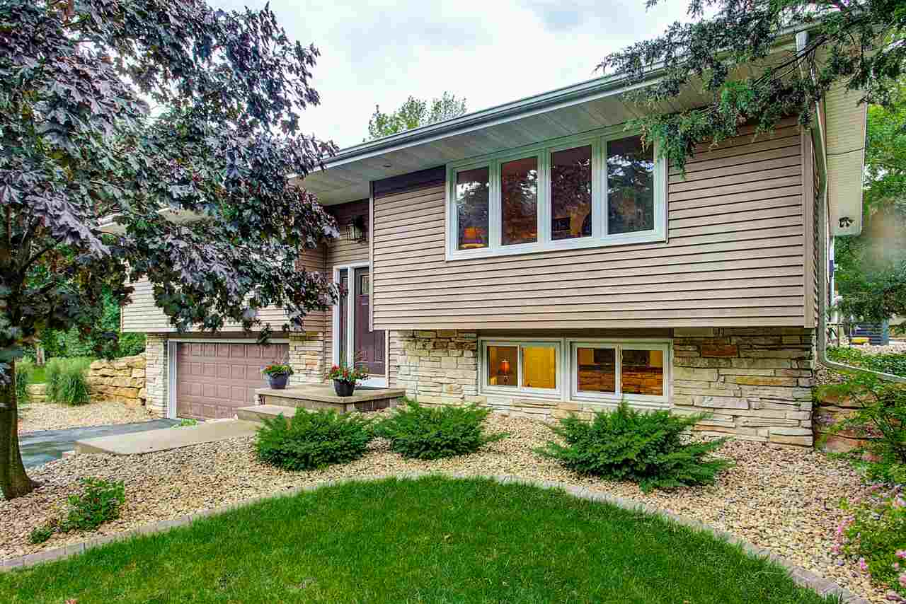 6150 Winding Heights Rd, Springfield, WI 53597