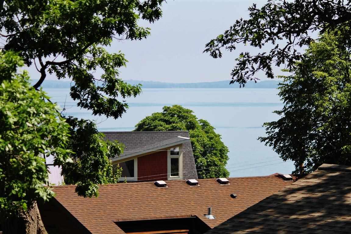 5118 Lake Mendota Dr, Madison, WI 53705