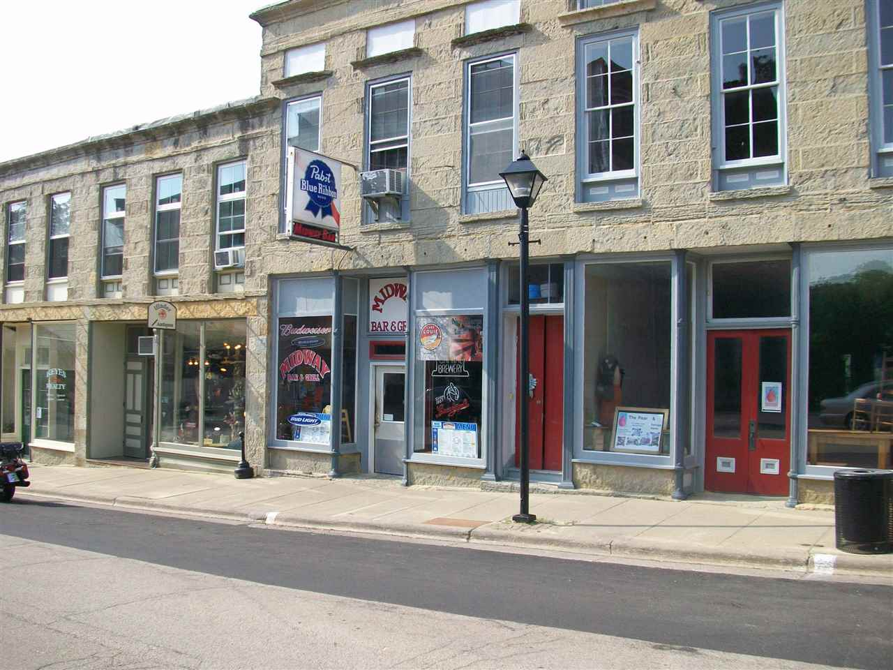 140 High St, Mineral Point, WI 53565