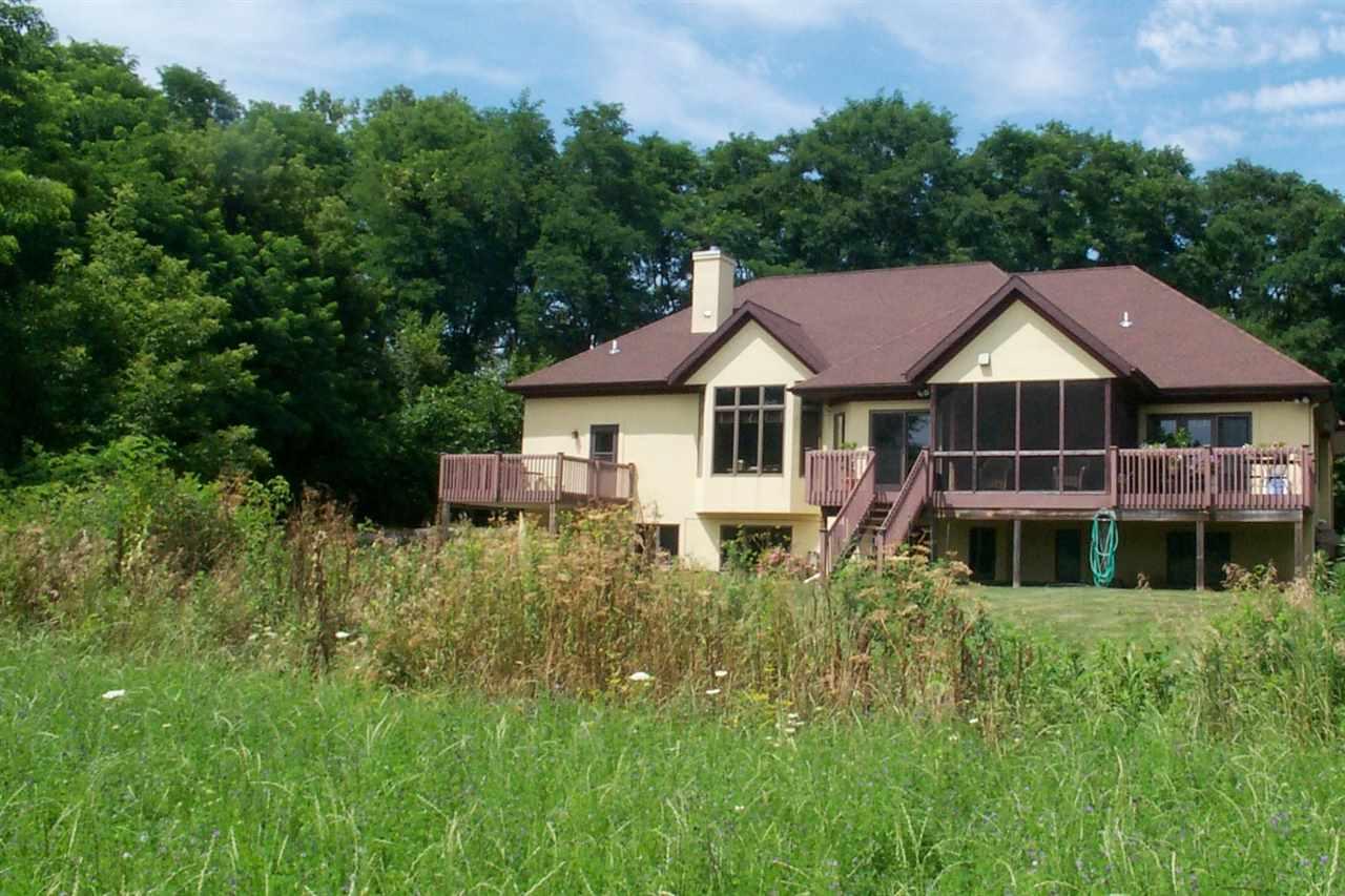 5015 Gilkeson Rd, Westport, WI 53597
