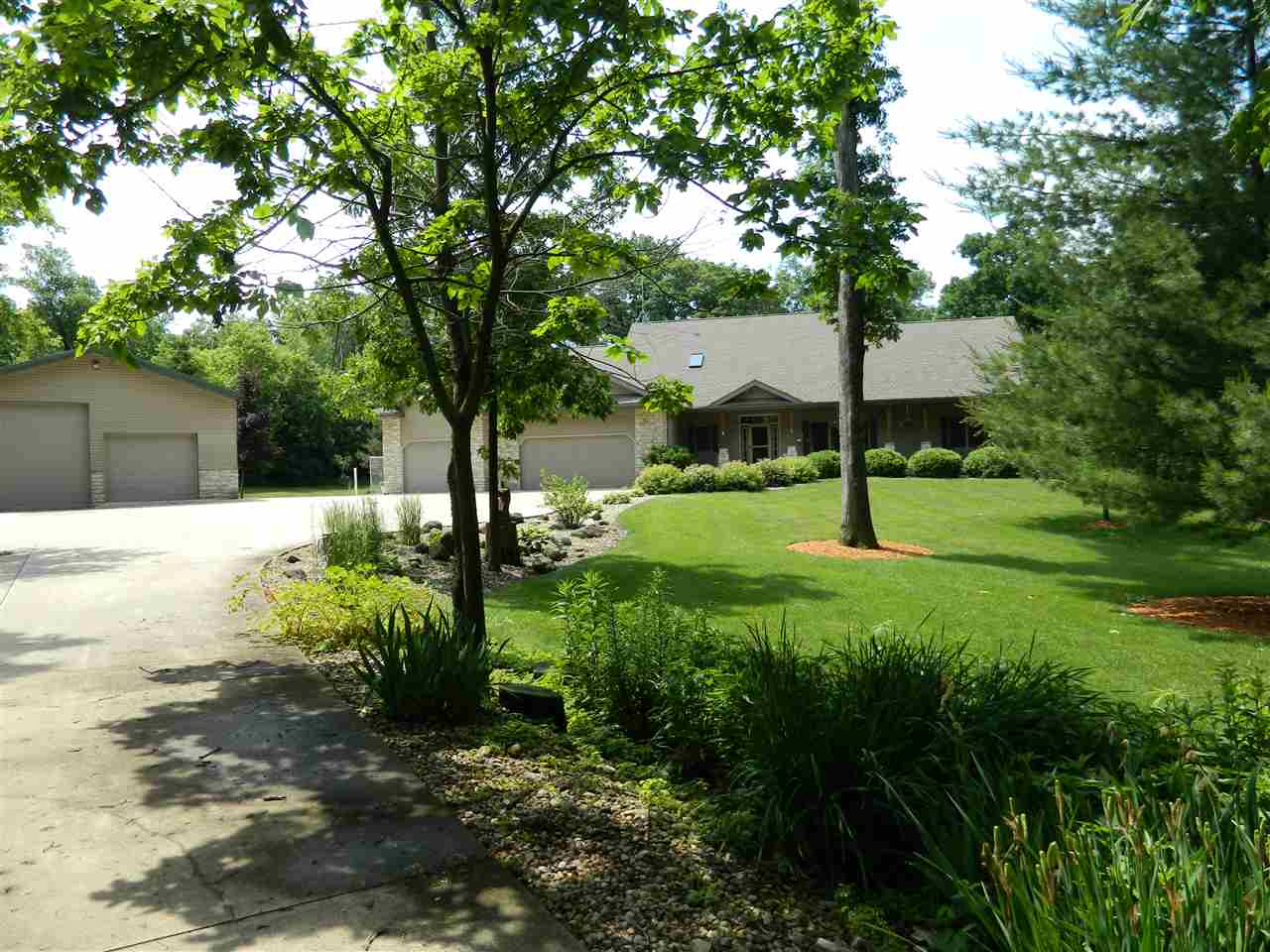4209 SUNSET RIDGE, Cottage Grove, WI 53527