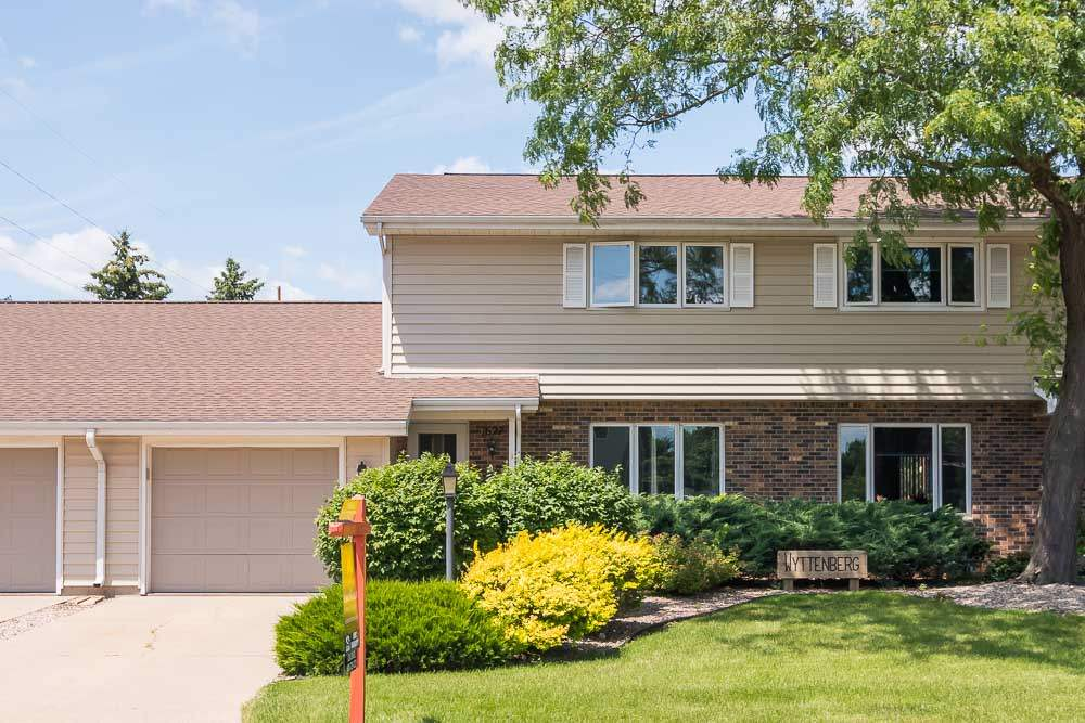 1627 WASHINGTON AVE B, Sauk City, WI 53583
