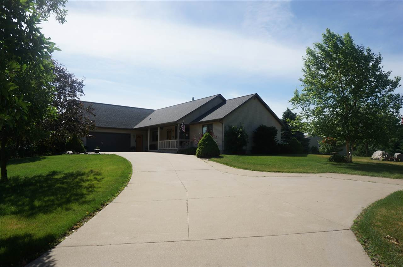 N6831 DONLIN DR, Pacific, WI 53954