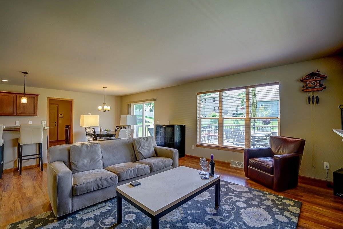 6209 DOMINION DR, Madison, WI 53718