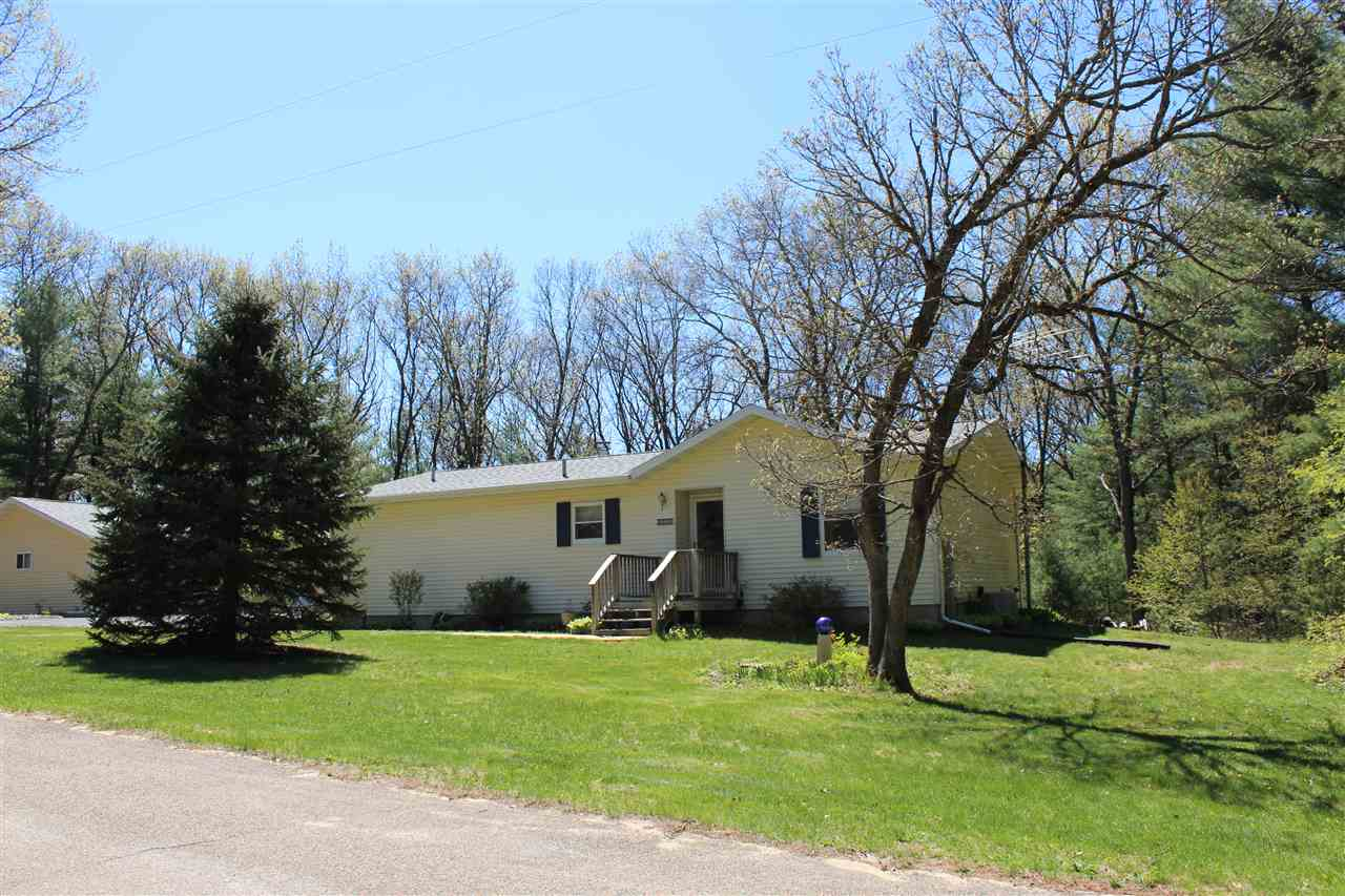 2539 3RD DR, New Chester, WI 53956