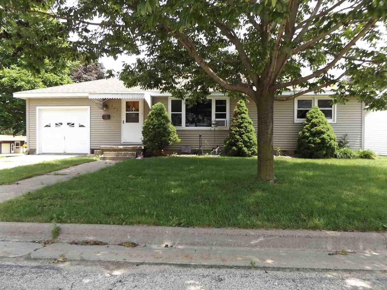 425 Grant St, Fennimore, WI 53809