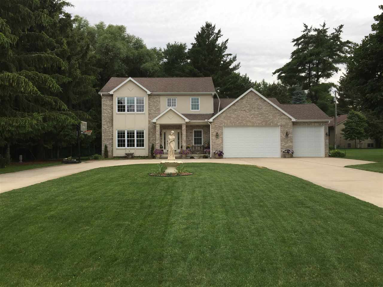 N4451 Wolff Rd, Oakland, WI 53523
