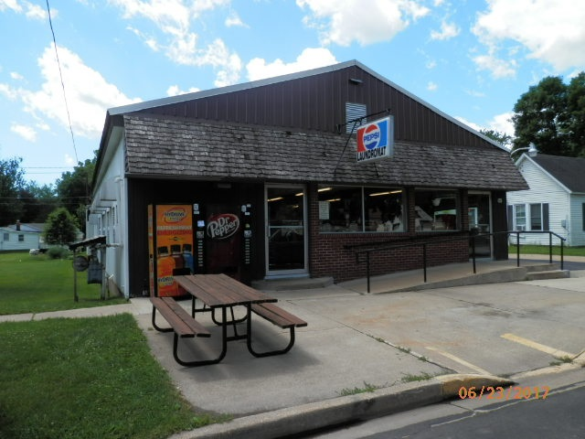 341 E Burton St, Richland Center, WI 53581