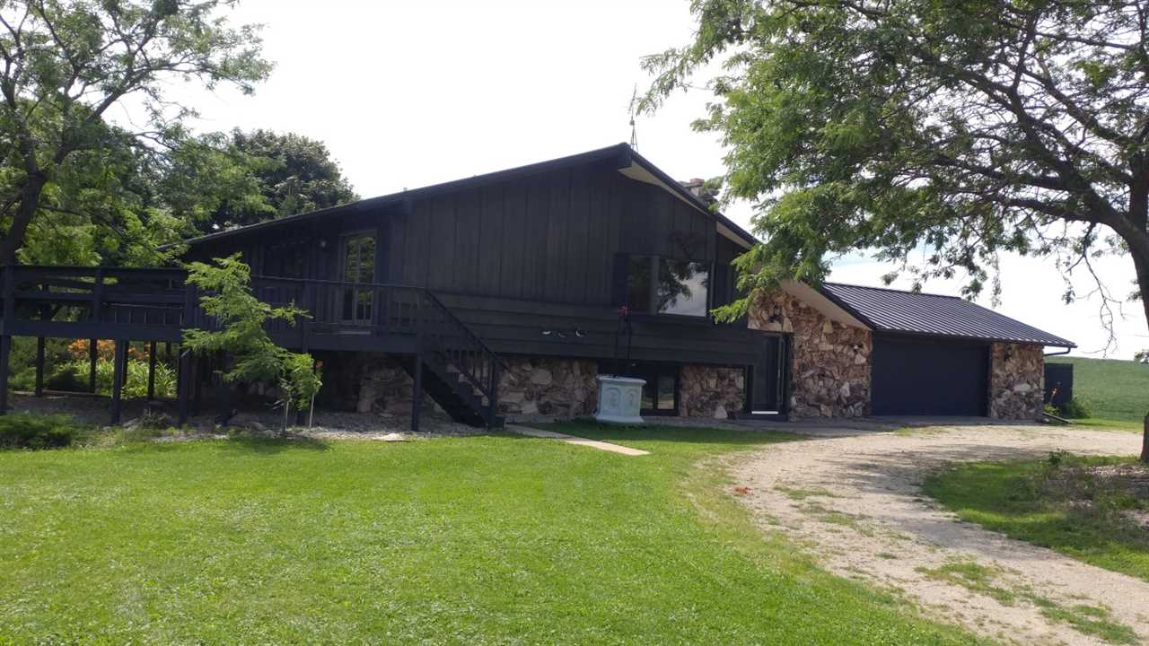W13542 Tri-County Rd, Ripon, WI 54971