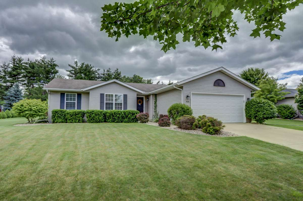 435 Meadowview Ln, Marshall, WI 53559