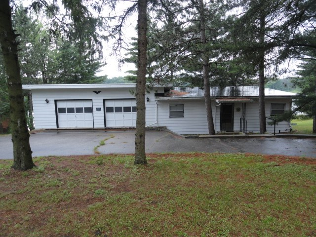 2535 3rd Ln, New Chester, WI 53936