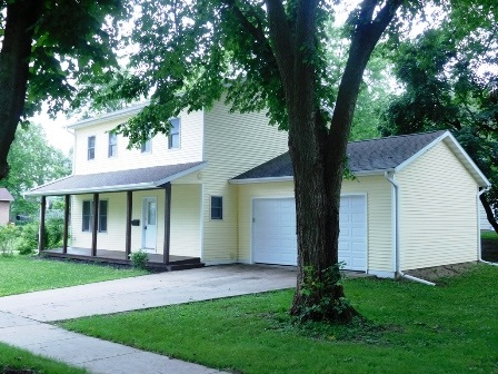 350 S Cottage St, Whitewater, WI 53190