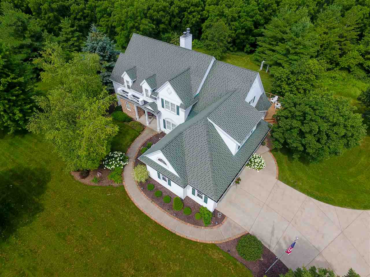 6750 Woodland Dr, Springfield, WI 53597