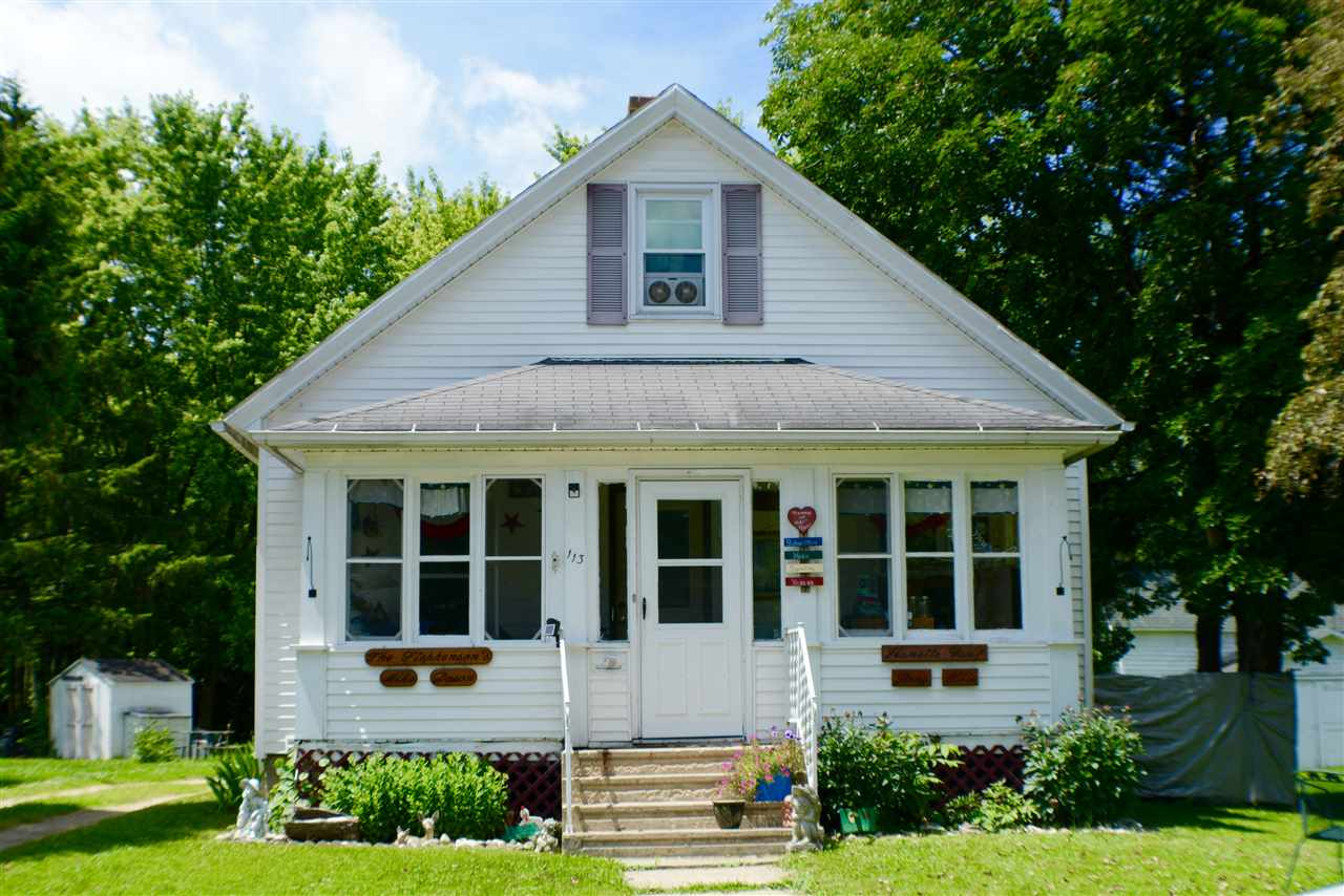 113 Royall Ave, Elroy, WI 53929
