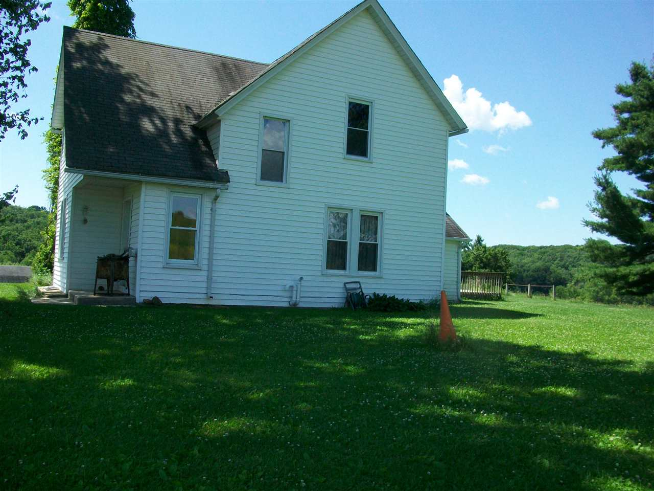 7893 Mckenna Rd, Moscow, WI 53544
