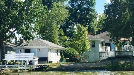 N10382 Howard Dr, Fox Lake, WI 53933
