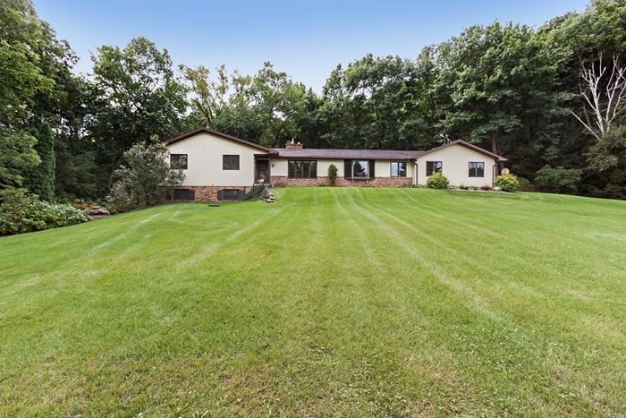 7895 Hwy 19, Springfield, WI 53529