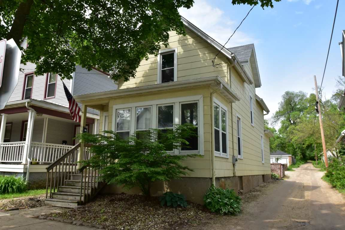 614 Mills St, Madison, WI 53715