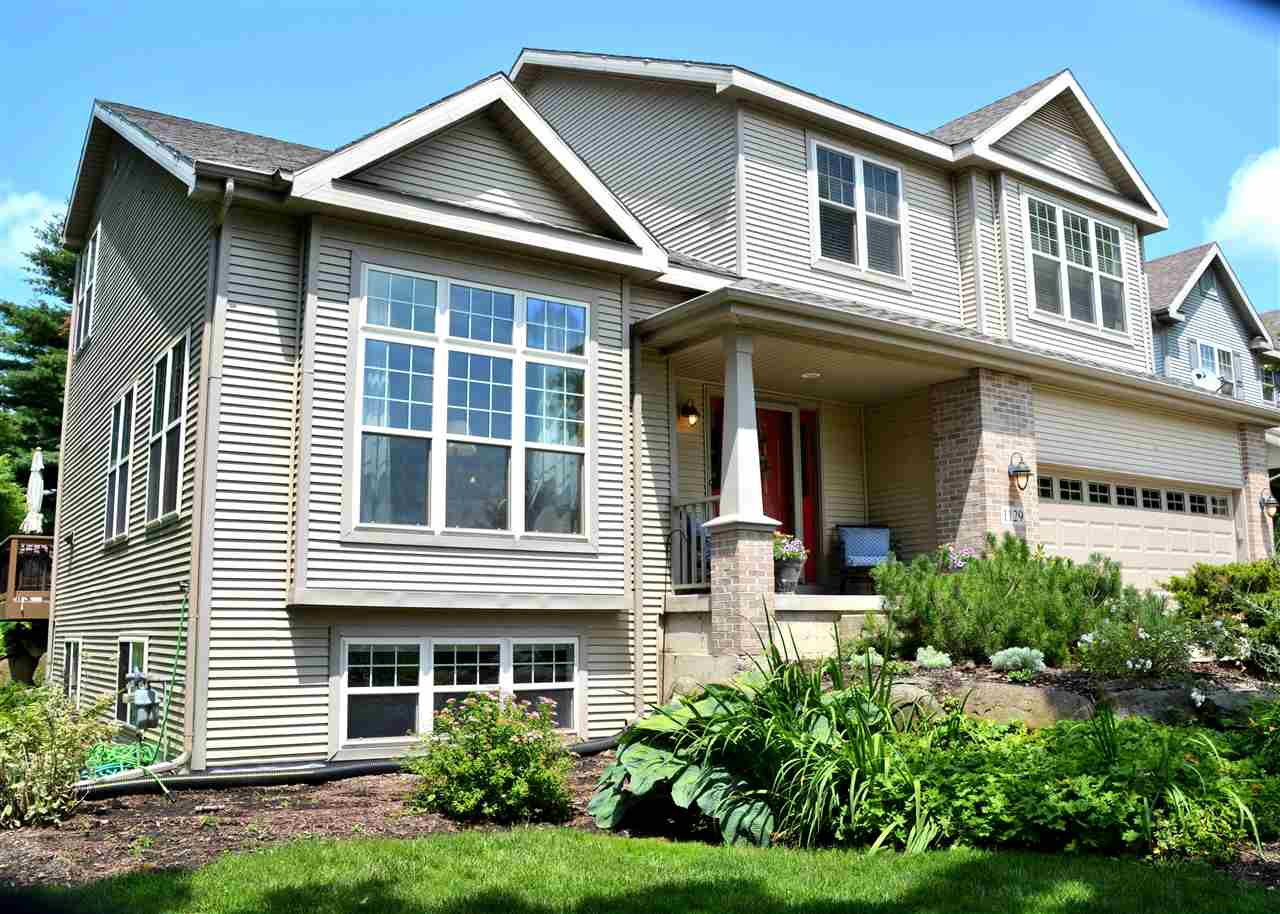 1129 MEADOW SWEET DR, Madison, WI 53719