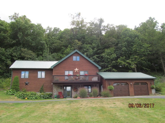 3905 Level Valley Rd, Hickory Grove, WI 53809