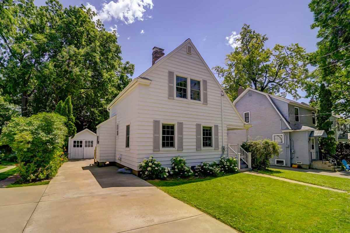 2455 Commonwealth Ave, Madison, WI 53711