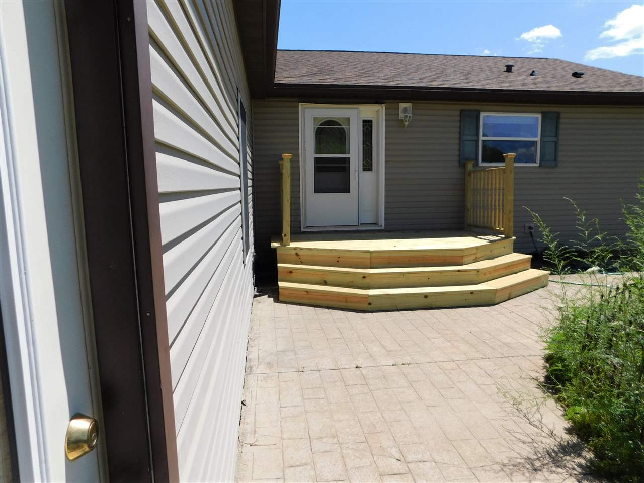 4425 Oak Rd, Harrison, WI 53820
