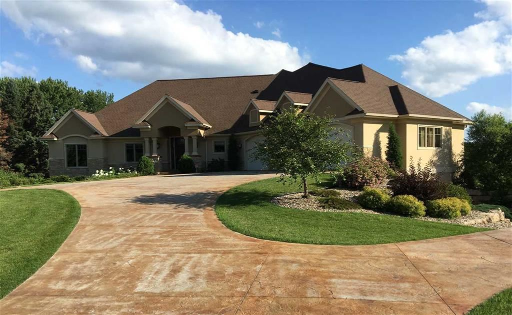 440 Inverness Terrace Ct, Baraboo, WI 53913