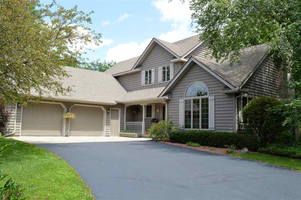 N7476 Linden DR, Whitewater, WI 53190