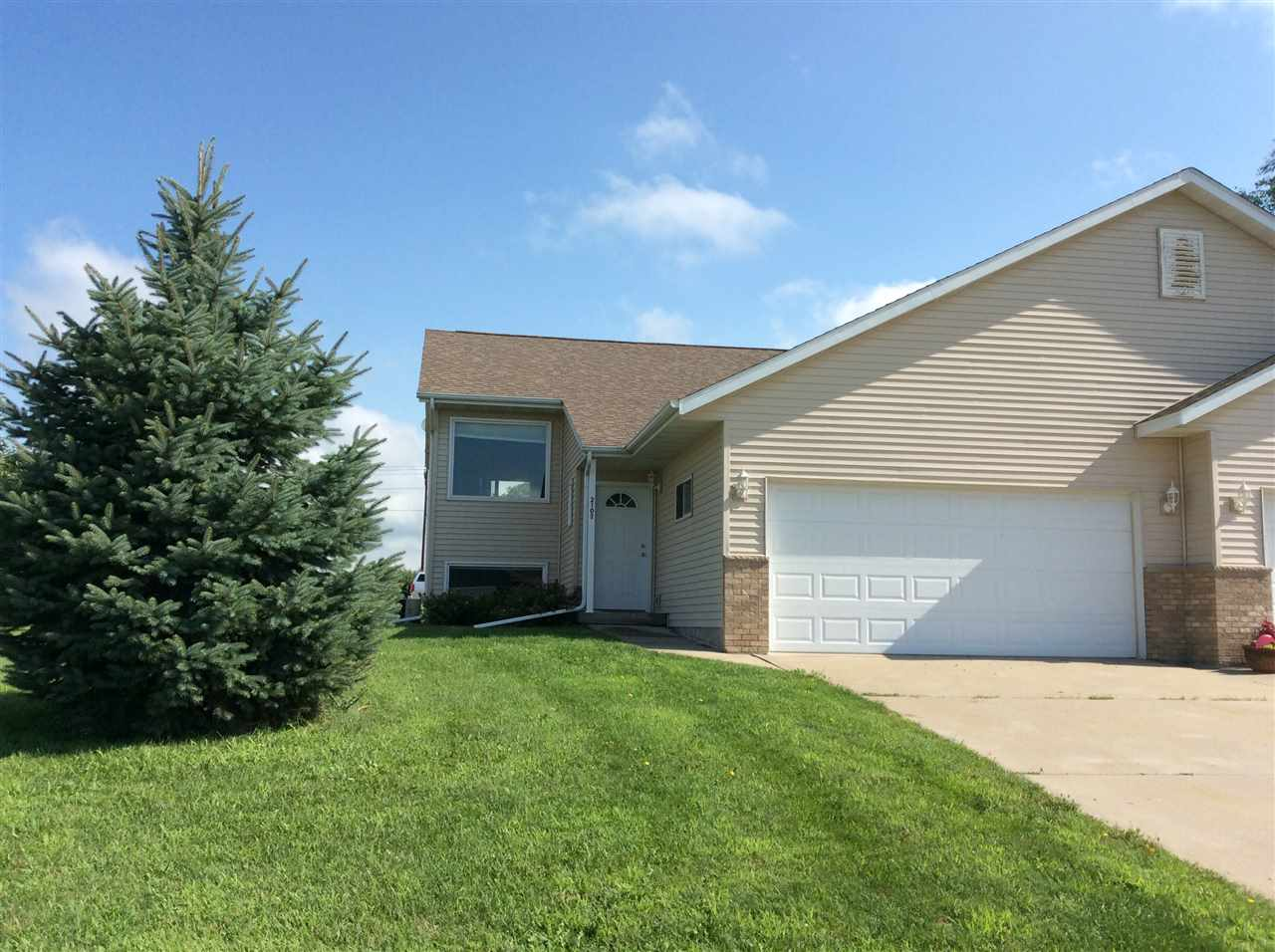 2107 NIGHTHAWK LN, Sauk City, WI 53583