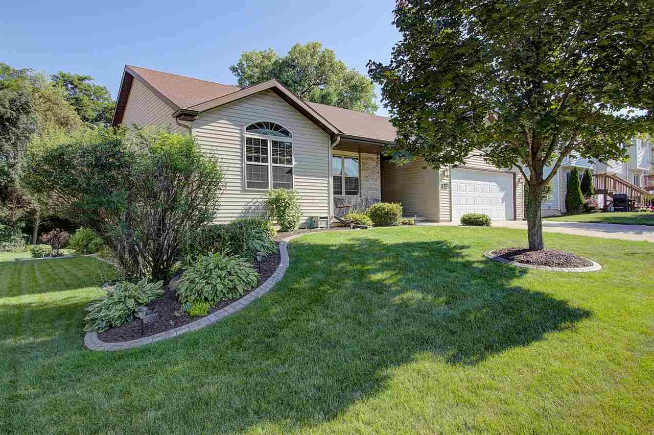 223 Parador Pl, Cottage Grove, WI 53527
