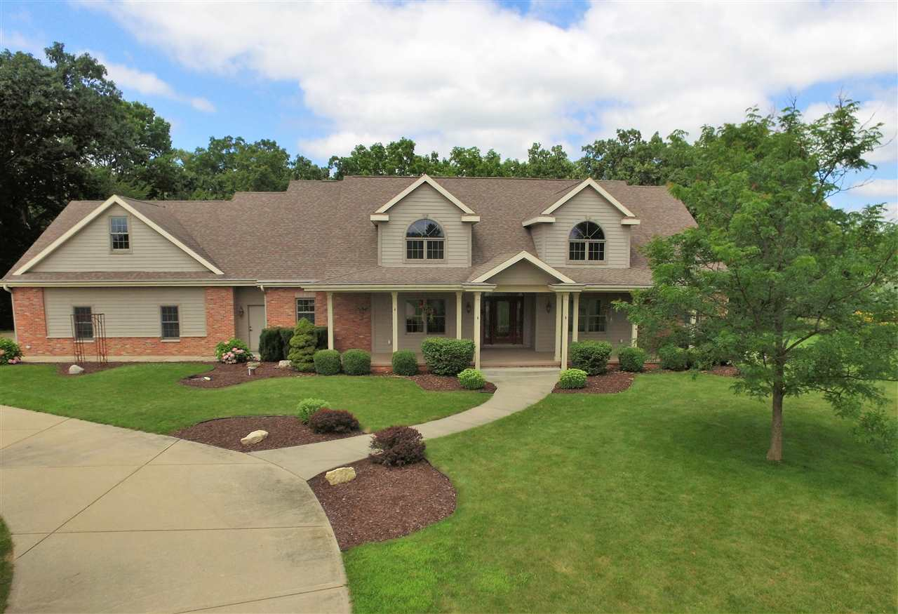 5633 N Northwood Trace, Janesville, WI 53545