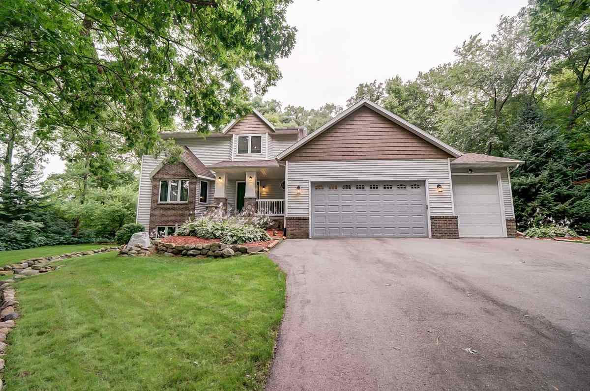 6571 Forest Park Dr, Windsor, WI 53532