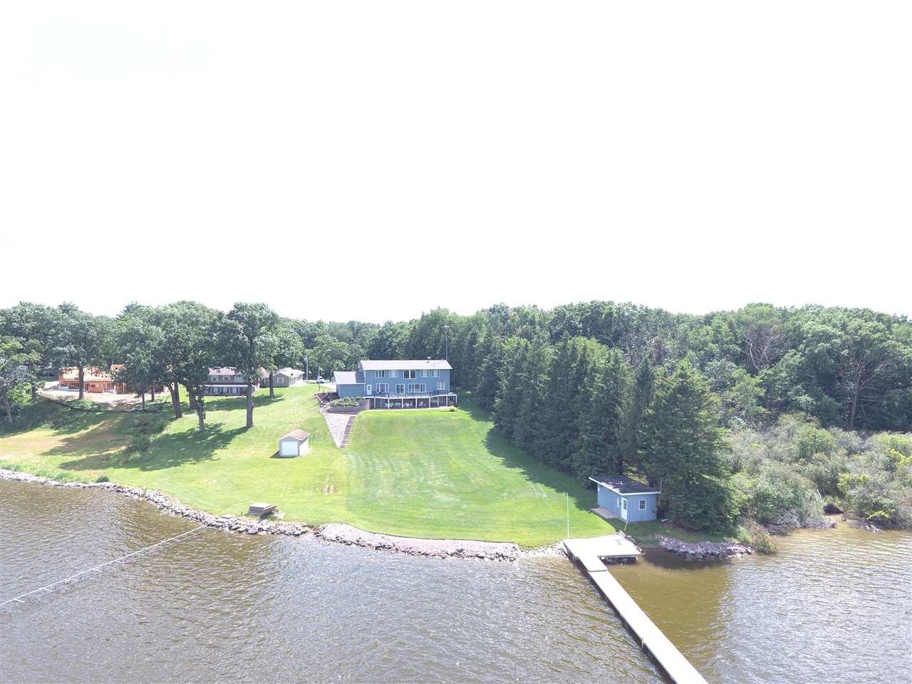 W7424 Swan Cove Ln, Pacific, WI 53954