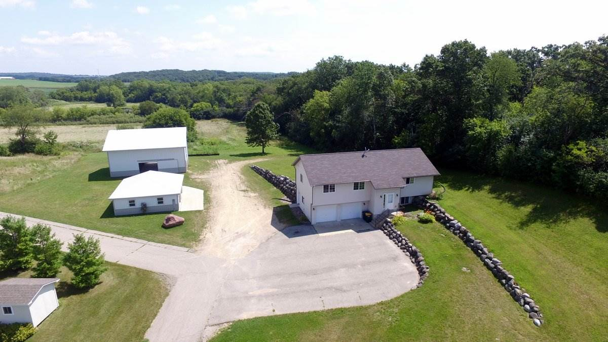 743 Water Tower Dr, Marshall, WI 53559